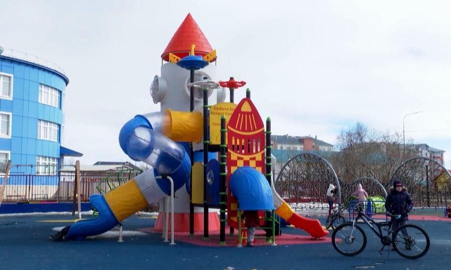 Детская площадка вНарьян-Маре вошла вчисло лучших практик федерального Минстроя