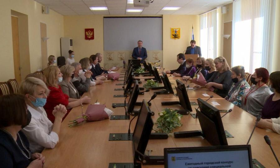 Сегодня, в День работника культуры в Архангельске отметили творческих северян
