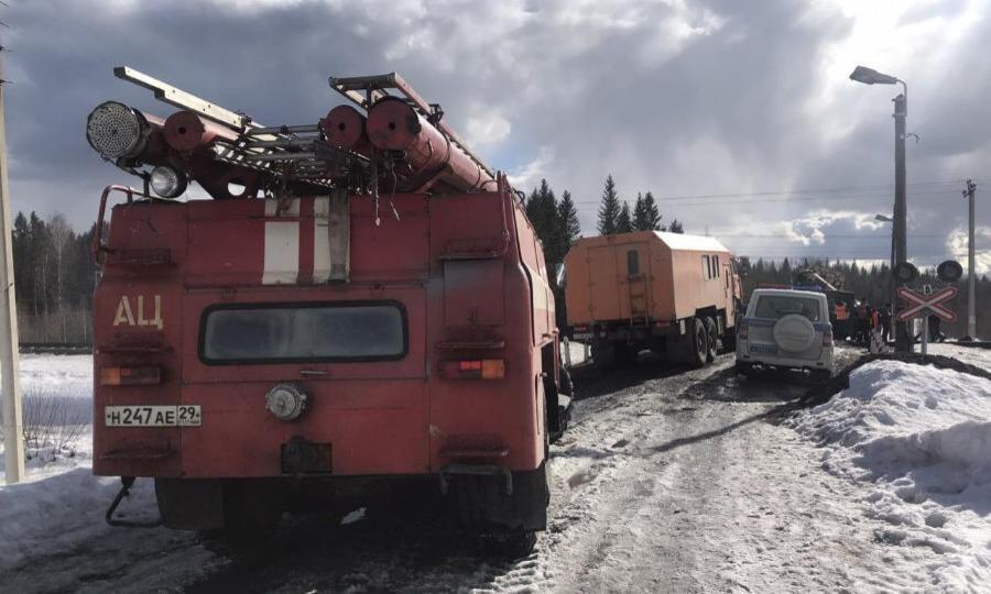 ВКоношском районе столкнулись КАМАЗ-лесовоз игрузовой поезд