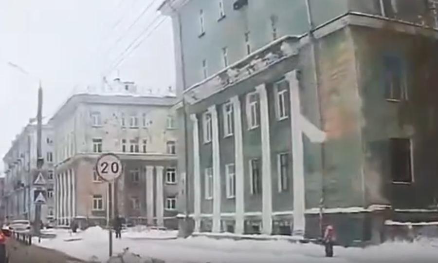 ВСеверодвинске мастер управляющей компании предстанет перед судом западение снежной глыбы перед школьницей